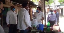 যশোরে ৩৫০ জন চা বিক্রেতাকে খাদ্য সহায়তা দিলো ইউপি চেয়ারম্যান