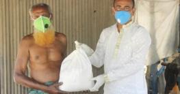 বাঘারপাড়ায় স্বল্প আয়ের মানুষের পাশে চেয়ারম্যান বাবলু