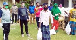 কেশবপুর সদর ইউনিয়নে দুস্থদের মাঝে খাদ্যসামগ্রী বিতরণ