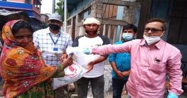 কেশবপুর পৌরসভার অর্থায়নে দুস্থদের মাঝে খাদ্যসামগ্রী বিতরণ