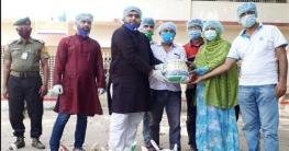 বাঘারপাড়ায় ৩০০ কর্মহীন পরিবারকে খাদ্য সহায়তা